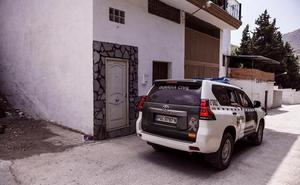 La Guardia Civil investiga a un hombre en Motril por vender perros enfermos a través de internet