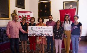 «Solidaridad entre Montañas» entrega el cheque a favor de la investigación contra el cáncer