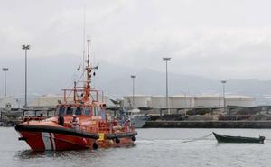 Detenidos 18 inmigrantes cuando intentaron huir tras llegar en patera a Salobreña