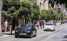 El conductor de Uber denuncia que el taxista de Granada empezó la pelea con «un puñetazo»