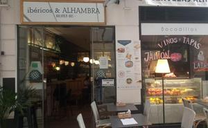 El bar de Granada que solo contrata gente de 50 años o más