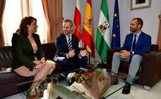 Bravo se compromete a revisar la prescripción de los casi 9 millones de deuda de la capital