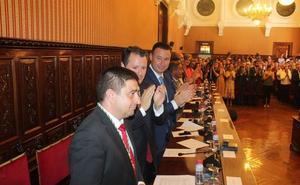 Las políticas sociales y la economía, retos del nuevo mandato de Reyes en la Diputación