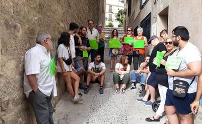 La PAH paraliza un desahucio en Jaén y pide una solución para los afectados