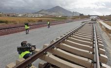 Adif licita el proyecto para colocar la doble vía en 62 kilómetros del AVE a Granada