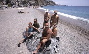 «Vamos a luchar para que nuestra playa sea accesible, todo el mundo tiene derecho a ser nudista»
