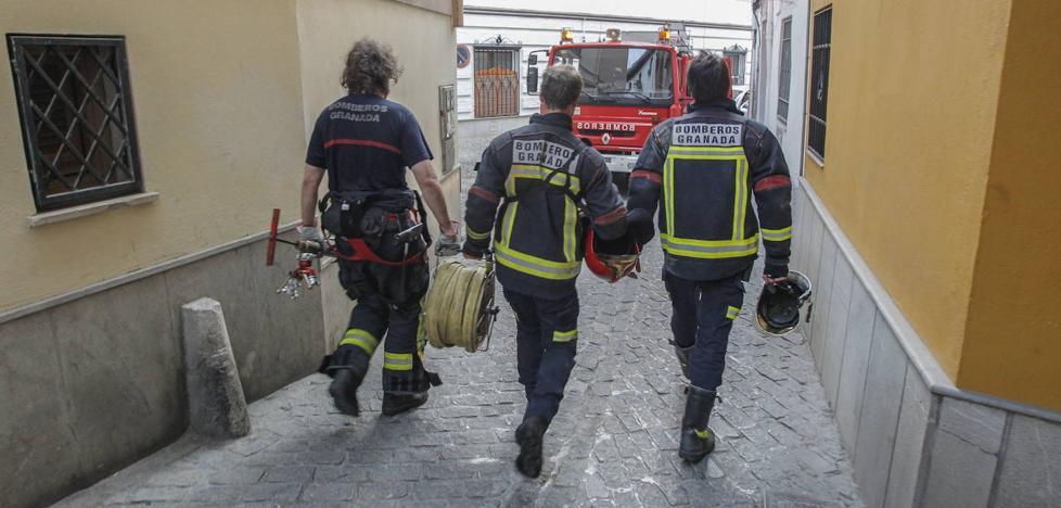 Los bomberos recibirán 450 nuevos equipos y cuatro vehículos especiales para el Albaicín