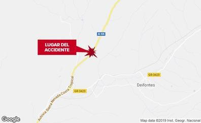 Heridos tres menores y una mujer en una colisión entre dos turismos en Deifontes