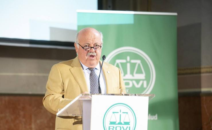 El consejero de Salud analiza en Granada los retos futuros de la sanidad pública andaluza