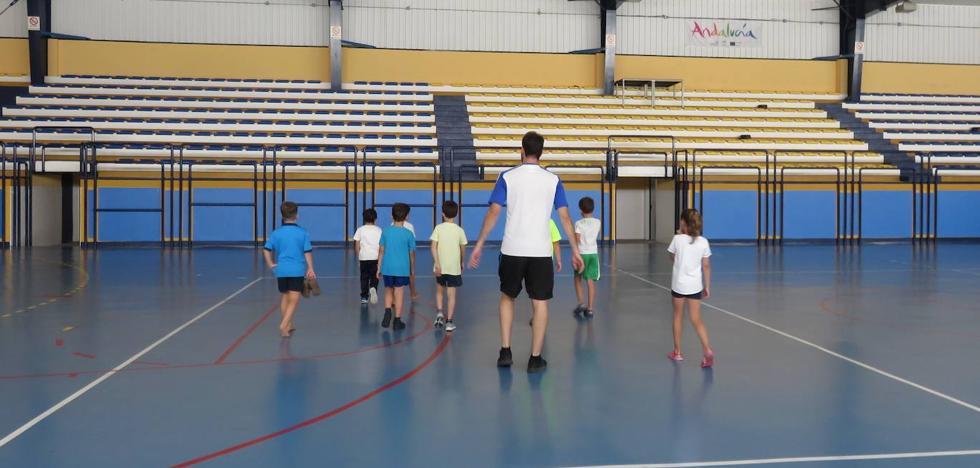 El plan de refuerzo escolar para julio fracasa en Granada con más del 90% de las plazas vacías