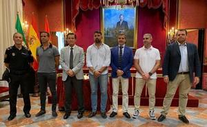 El alcalde de Granada preside la toma de posesión de tres nuevos agentes de la Policía Local
