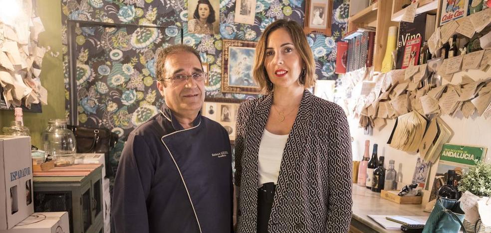 Aluvión de 400 currículos para el bar de Granada que busca trabajadores de más de 50 años