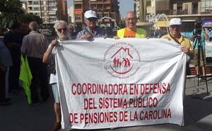 Alberto, de Los Lobos ('¡Boom!'), se manifiesta por las pensiones en Linares