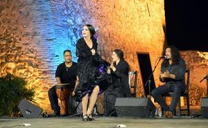 El ciclo '3 a Compás' recupera la Alcazaba como escenario con Aitana Rouseau