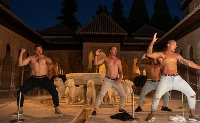 Espectacular 'haka' de los All Blacks en el Patio de los Leones de la Alhambra