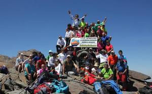 La asociación Belladurmiente fomenta el alpinismo estival