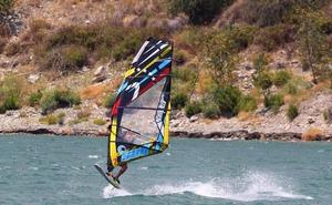 ¿Te atreves a hacer windsurf en un pantano?