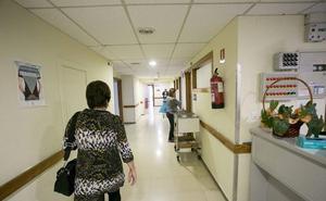 Cuatro plazas no cubiertas y dos bajas médicas «inesperadas» saturan las Urgencias de Motril