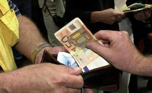 Advierten del peligroso 'timo de los 100 euros' en varias tiendas