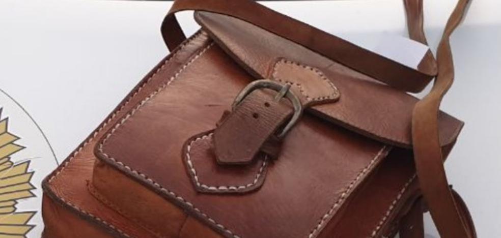El extraño hallazgo dentro de un bolso olvidado en el Metro de Granada