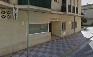La Guardia Civil afirma que el agente en prácticas «estaba cualificado» para custodiar al preso que se fugó en Salobreña