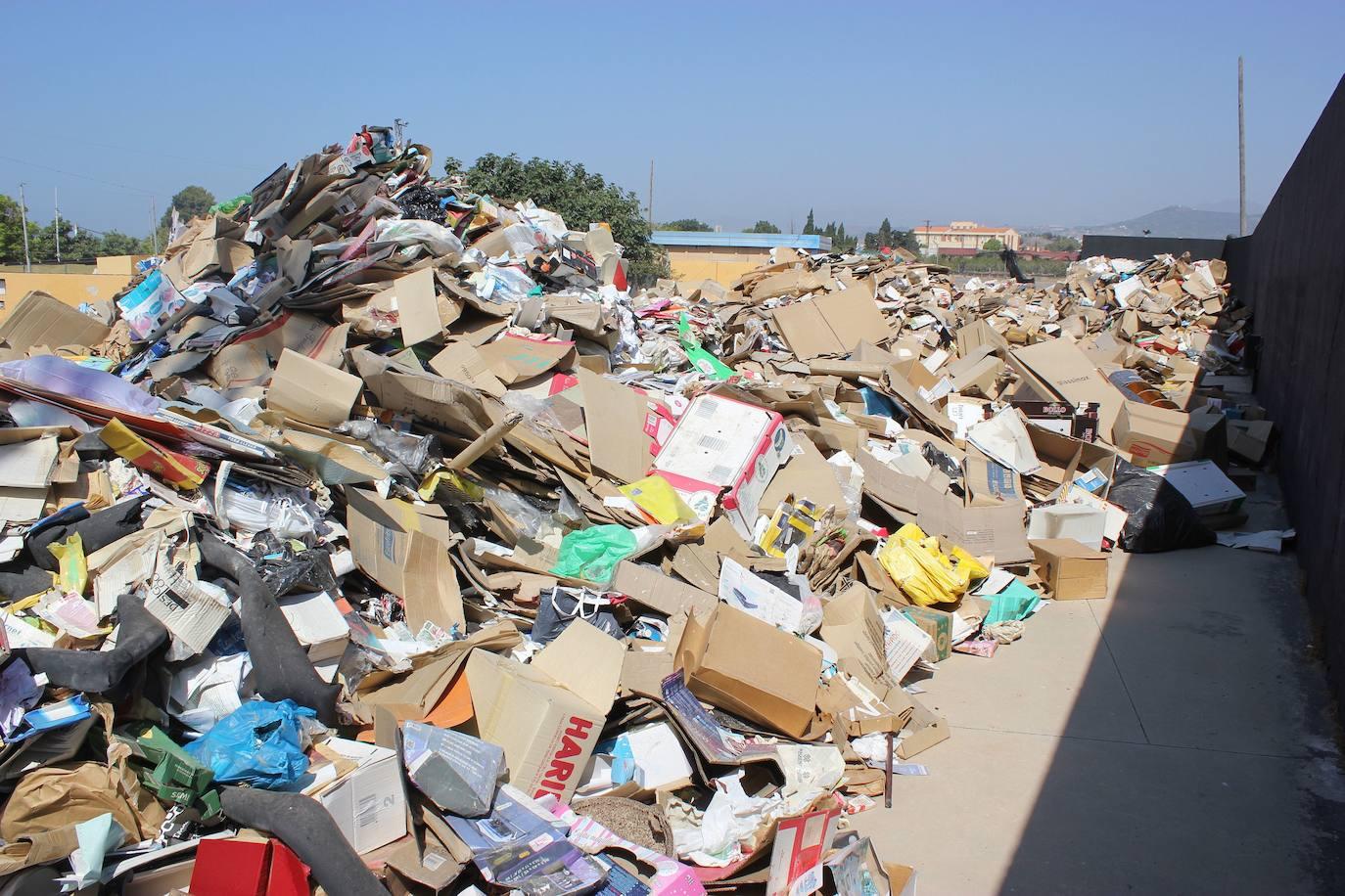 El PSOE critica que el Ayuntamiento haya convertido el recinto ferial de Motril en un «punto negro» de basura