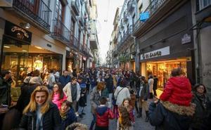 Los ayuntamientos podrán cambiar uno de los días autorizados para la apertura de los comercios en domingo o festivo en 2020