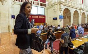 La bronca final del debate enfrenta al PSOE con la presidenta del Parlamento andaluz
