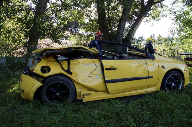 Mueren tres jóvenes de 17 y 20 años y otros tres resultan heridos en un accidente en Salamanca