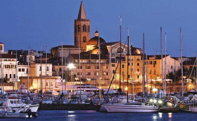 Alguer, la desconocida ciudad medieval a la que querrás viajar este verano