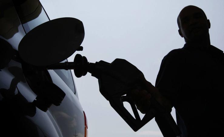 Las gasolineras más baratas de las principales autovías de España, según la OCU