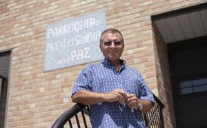 El cura granadino de La Paz: «La legalización de la 'maría' llevaría a que no hubiera violencia»