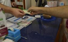 Un fallo en el sistema deja a los granadinos todo un día sin poder sacar medicamentos con receta electrónica