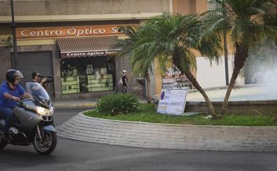 Frente común contra la prohibición de aparcar en la Playa de Poniente
