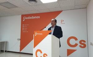 Samper (Cs): «Almería ya no es una provincia lejana para la Junta, sino todo lo contrario»