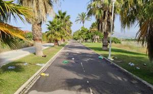 Los vecinos de Playa Granada piden medidas urgentes contra el botellón