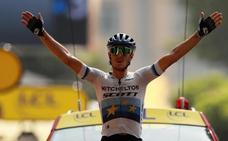 Matteo Trentin gana a las puertas de los Alpes