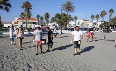 Un grupo de 45 voluntarios limpiará las colillas de la costa de Salobreña