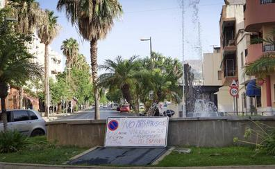 Los motrileños alzan hoy la voz para conservar los aparcamientos en Playa de Poniente