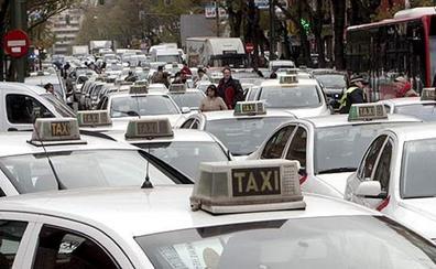 Detenido un taxista por violar a una clienta de 20 años que llevaba en su coche