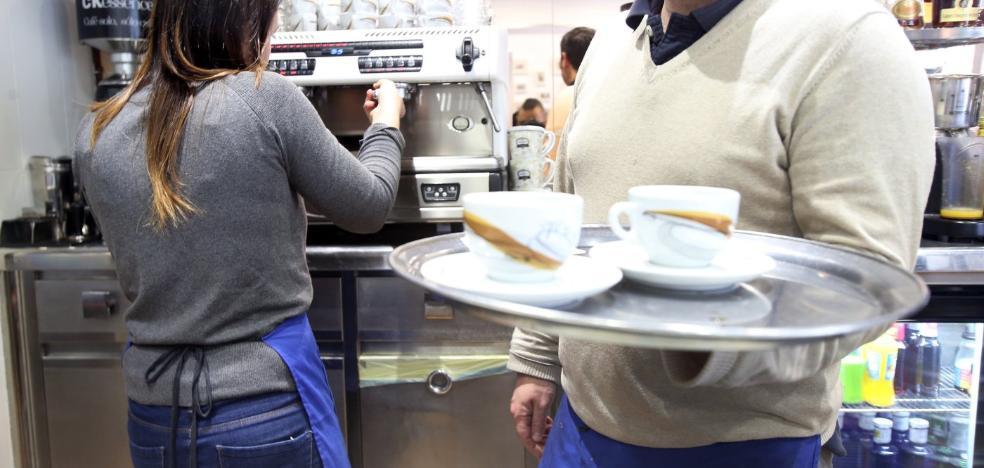 Los trabajadores de Almería capital cobran hasta un 19,5% más que los de municipios más pequeños