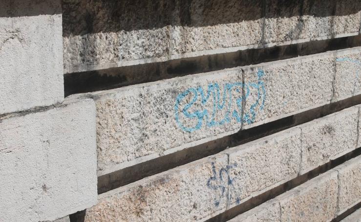 Heridas en el Patrimonio de Jaén: pintadas afean y dañan edificios y monumentos