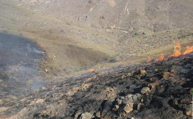 El incendio de Huércal de Almería afecta a más de 30 hectáreas