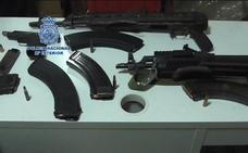 Macrooperación de la Policía Nacional: encuentran armas de guerra, capturan a un grupo criminal y 2.200 kilos de hachís