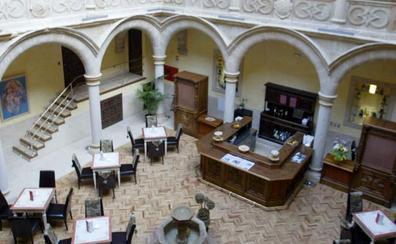 Los hoteleros de Jaén trasladan a la Junta la necesidad de mejorar las comunicaciones