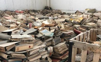 Plan de choque para salvar el archivo municipal de los excrementos