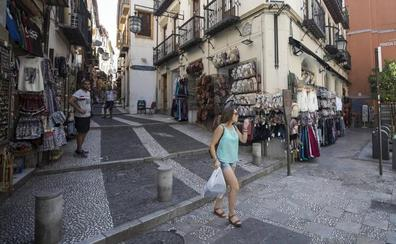 Calderería 'tira' de picaresca para recuperar su imagen más turística