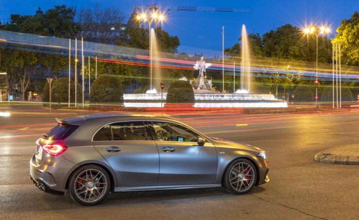 Los superdeportivos Mercedes AMG A 45 y CLA 45 4Matic+, en acción