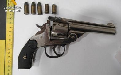 Detienen a un individuo por un el robo con una pistola en Ventas de Zafarraya