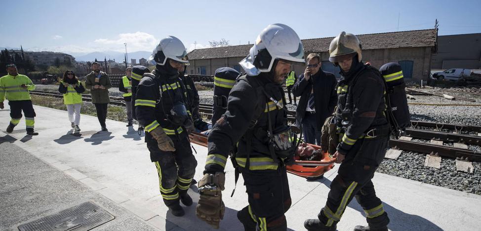 4 camiones y 450 equipos nuevos para los bomberos de Granada